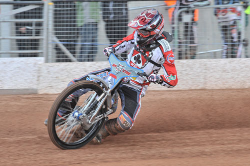 Photo: Ian Charles    Belle Vue Practice 6 April 2016